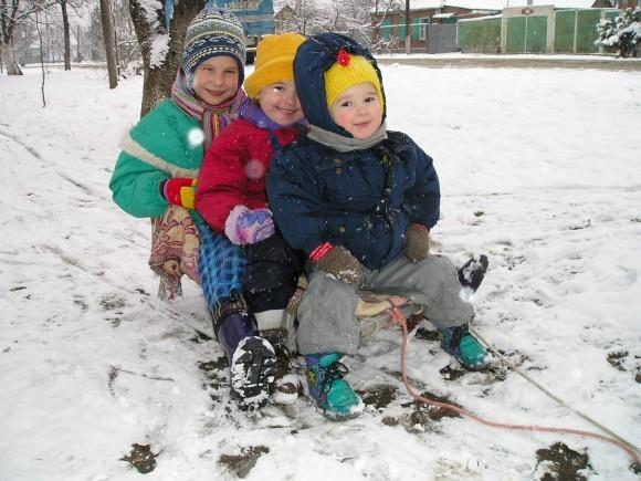 Мы - многодетная семья! Надя, Сара и Лиза. 2005г.