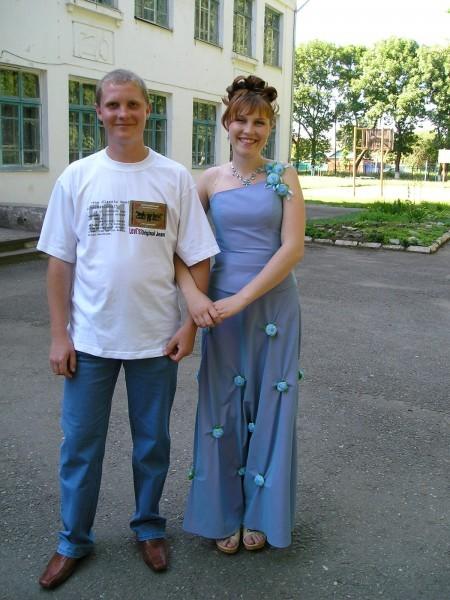 Сергей и Настя - выпускники. Июль 2006 г.