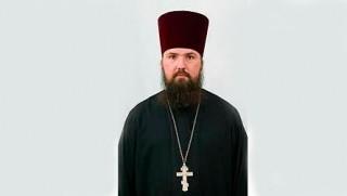 """Священник Андрей Евстигнеев. Фото: ИА """"Четвертая власть"""". www.4vsar.ru"""