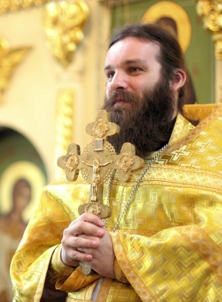 Священник Павел Мурзич