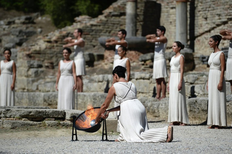 Молитва Зевсу об Олимпийском огне.