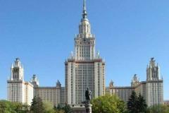 МГУ и СПбГУ получили право самостоятельно присуждать ученые степени