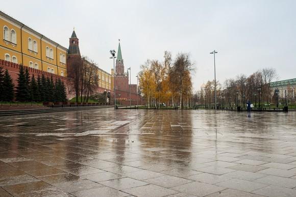 Практически весь день 4 ноября Александровский парк и Манежная площадь были закрыты для посетителей