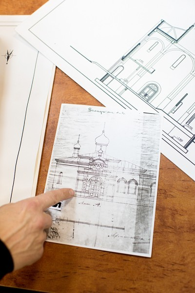 …и даже чертеж храма, на котором видна каменная паперть со снесенной в советское время звонницей (архитектор П. П. Зыков)