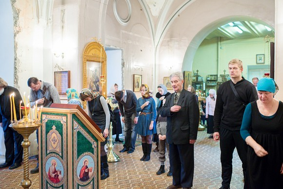 Уже 10 лет в храме постоянно совершается Божественная литургия