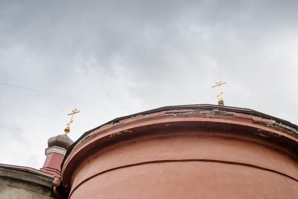 А ведет свою историю храм от 1853 года, когда вдова героя войны 1812 г. Николая Черкасского Надежда Черкасская (древний род Черкасских-Бековичей) приобрела на собственные средства загородную дачу у императорского архитектора Осипа Бове