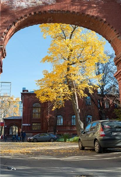 Вход на территорию храма со стороны Ленинградского проспекта