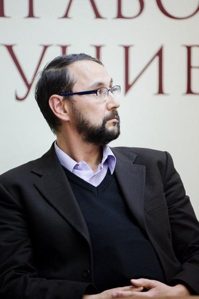 Профессор Себастьян Молдаван, факультет православного богословия университета имени Лучиана Блага в г. Сибиу Румыния