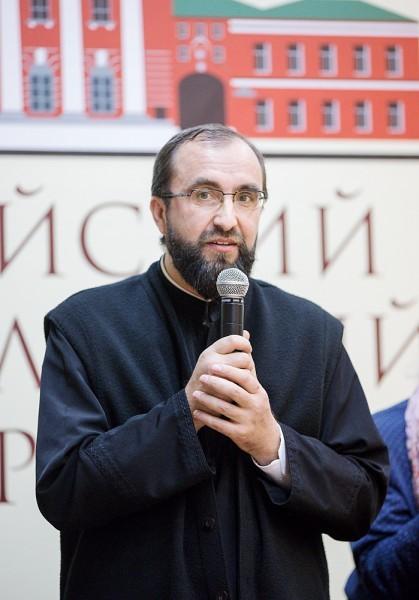 Иерей Юлиан Негру, клирик Румынской православной церкви, консультант по проблемам зависимости, координатор национальной программы по борьбе с наркотиками Румынской Православной церкви
