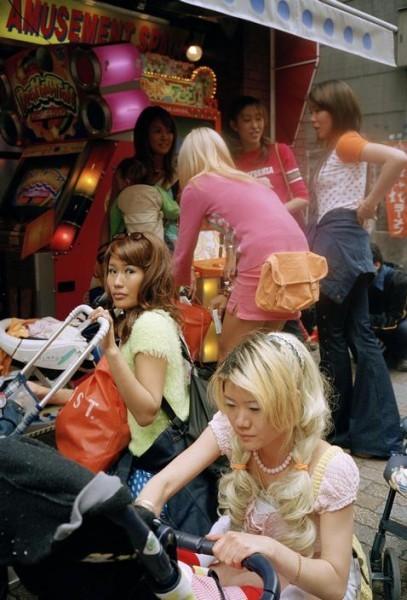 Крис Стил-Перкинс. Япония. Токио. Молодые мамы