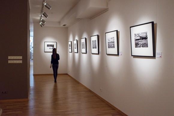 Зал с фотографиями, снятыми в плавании по Беломорскому каналу