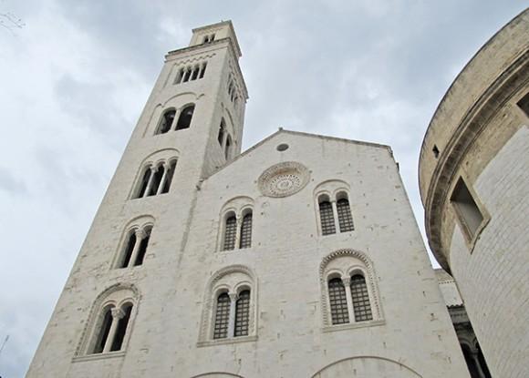 Кафедральный собор св. Сабина с колокольней