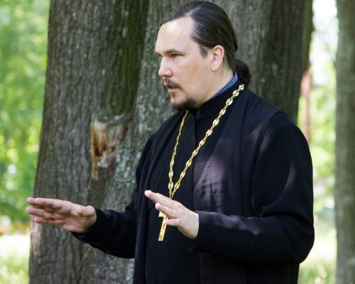 Священник Максим Курленко.Фото: pro-goroda.ru