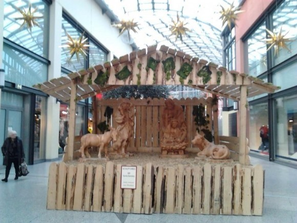 Вертеп в центре магазинов Рур-парк, Бохум, Северный Рейн-Вестфалия, Германия. Фото: Александр Фурс