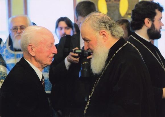 В Алтаре Покровского Академического храма в день Покрова Божией Матери 14.10.2010