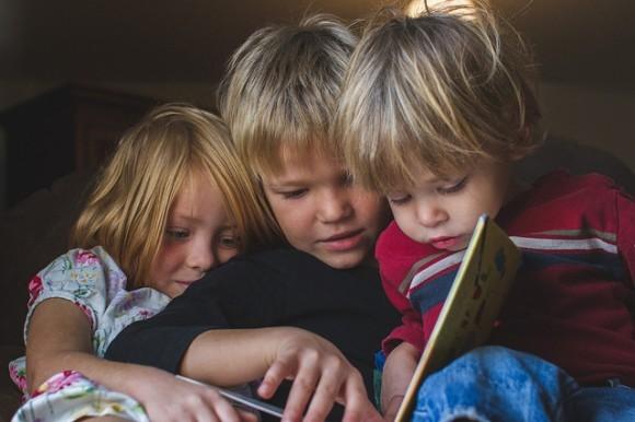 Лена, Илья (Рид) и маленький Андрей (Гус) Паркеры