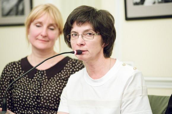 Елена Садовникова во время вечера памяти митр. Антония на Покровке