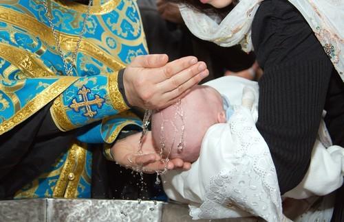 """Крестить детей от """"суррогатных матерей"""" можно будет после покаяния родителей"""