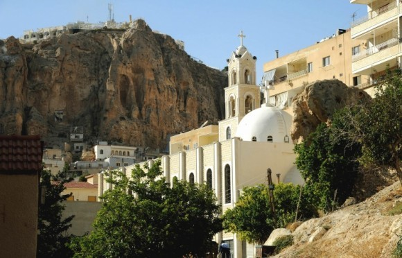 Сирийские боевики обстреляли из минометов старинную церковь в г. Дераа