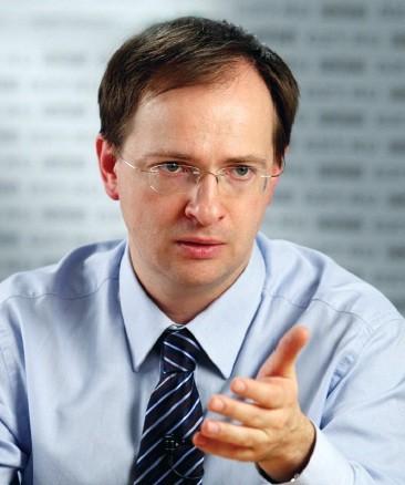 Владимир Мединский высказался против внесения в закон положения о Православии