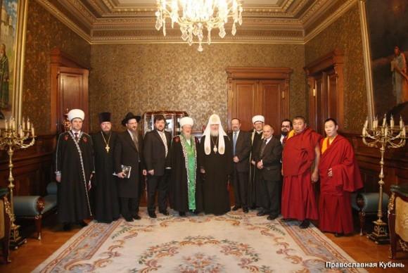 Межрелигиозный совет России призвал верующих Украины к диалогу