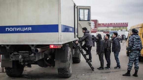 Мигрантам-правонарушителям могут запретить въезд в Россию
