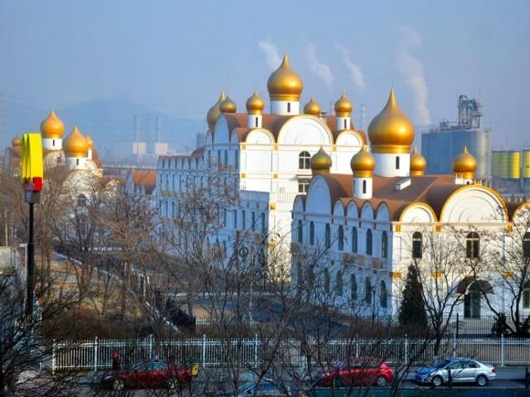 В Пекине начали строить здания в виде православных храмов
