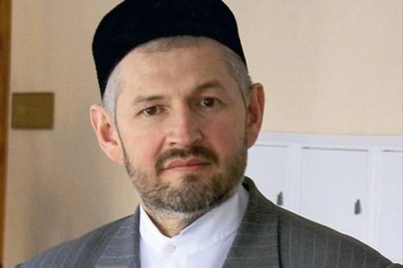 Вдове исламского деятеля, погибшего от рук террористов, вручен церковный орден