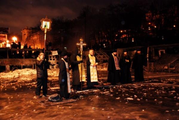 Священники о второй ночи на Грушевского