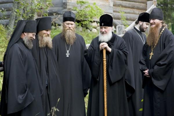 С братией Соловецкого монастыря. Фото: С. Веретельников / Православие.Ru