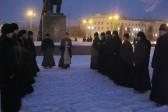 """Херсонские священники молились между двумя """"майданами"""""""