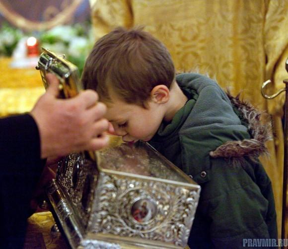 5 часов в очереди, или зачем почитать святыни?