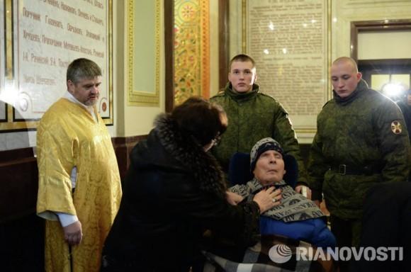 Героя войны в Чечне генерала Анатолия Романова привезли на поклонение к Дарам волхвов