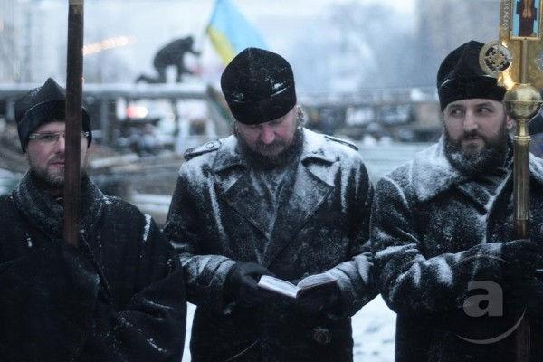Архим. Алипий (Светличный): Майдан продолжает жить своей жизнью пригасшего вулкана