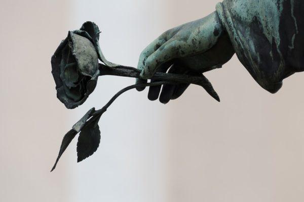 Похороны - трудное прощание с близким