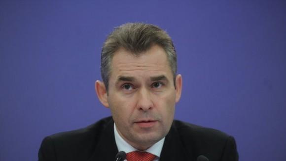 Павел Астахов предлагает приравнять приемные семьи к многодетным