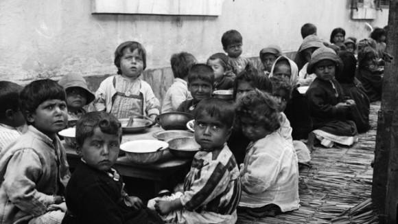 В Париже проходит выставка «Христиане Востока»: фотографии осиротевших детей раздирают душу