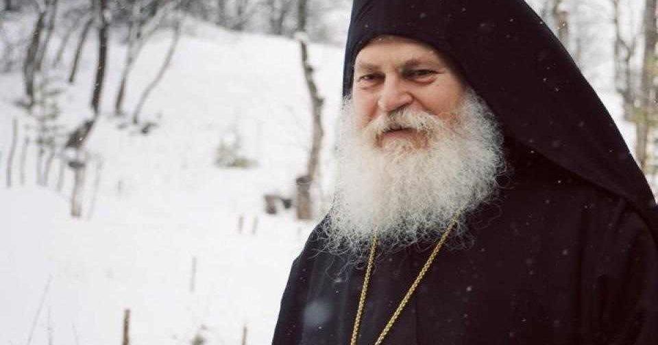 Игумен Ефрем Ватопедский: «Только с соблюдением заповедей Божиих наша жизнь обретает смысл»