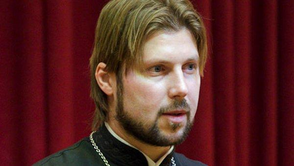 Священник Глеб Грозовский готов вернуться в Россию