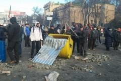 """Украинские священники остановили """"боевые"""" действия в Киеве"""