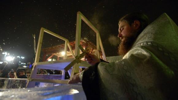 Более 165 тысяч москвичей приняли участие в праздновании Крещения