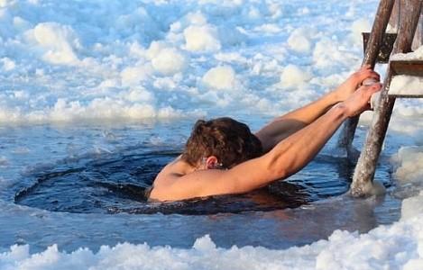 Житель Якутии умер после купания в Крещенской купели