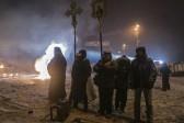 Возобновилось молитвенное стояние перед баррикадами в Киеве