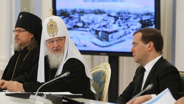 Восстановить Афонский Свято-Пантелеимонов монастырь обещают к концу года