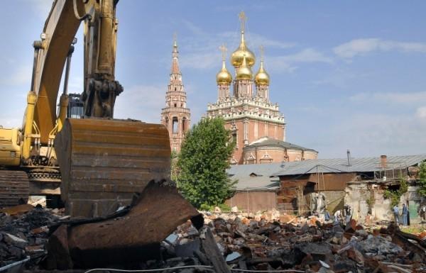 В Москве и Петербурге хотят запретить снос зданий старше 1955 года