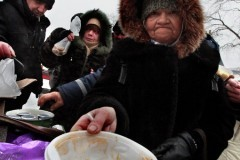 Институт приемных семей для пожилых людей создадут на Сахалине