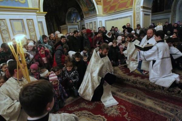 Украинская Церковь инициировала Всеукраинскую детскую молитву о мире в Украине