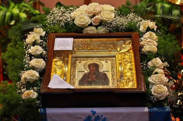 В Севастополь прибывает мироточивая икона Божией матери «Умягчение злых сердец»