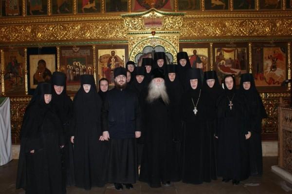 Схиархимандрит Иоаким (Парр) побеседовал с сестрами о духовной жизни