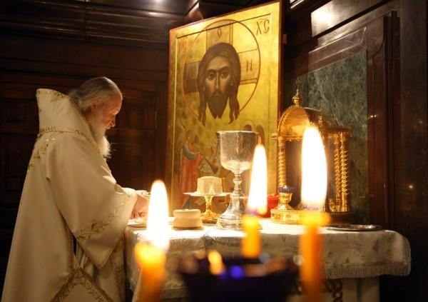 Патриаршее служение в Великую субботу. Божественная литургия в Храме Христа Спасителя